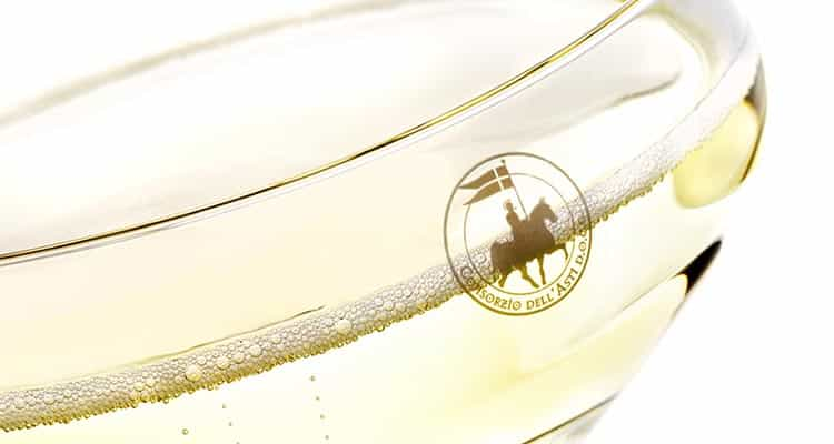 Шампанское Asti против Moscato d'Asti