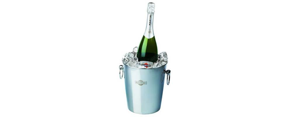 3 мифа о том, как охладить шампанское Asti